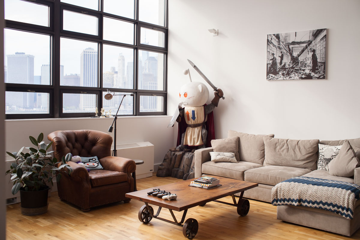 Architecture Photos Of Reddit Mascot Sculpture At Alexis Ohanian S Home Nyc Modern Architectural And Interior Photography