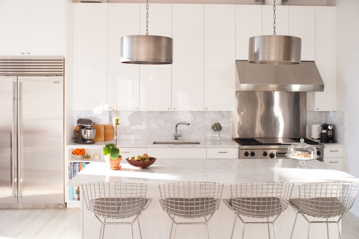 Dallas Interior Photography   White & Marble Kitchen in Home of Architect Vishaan Chakrabarti_