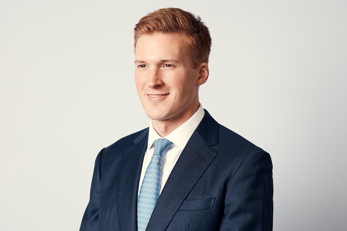 New York Corporate Headshots   Modern Headshots of Young Financial Executive NYC