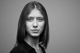 Black and white New York City Headshots of Young Model
